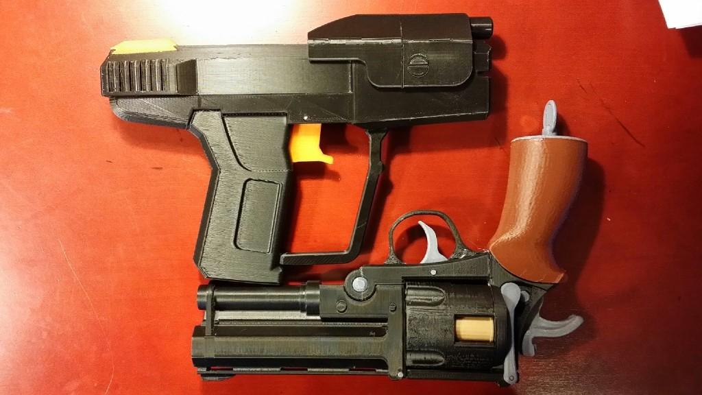 3D Printed Movie Prop Guns | 3 Degrees Askew